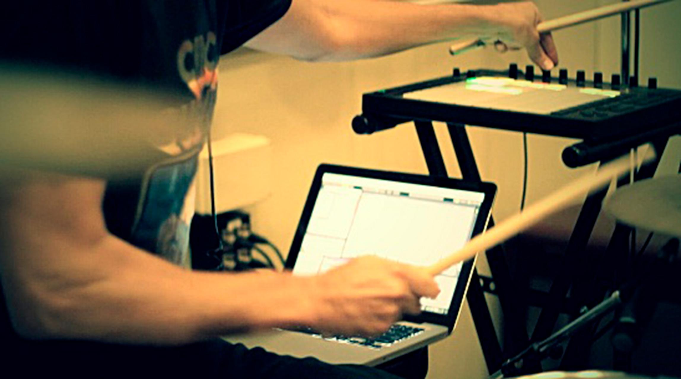 Convocatoria: Ayudas a residencias artísticas para la creación sonora con nuevas tecnologías en el C.M.M.A.S. | IBERMÚSICAS