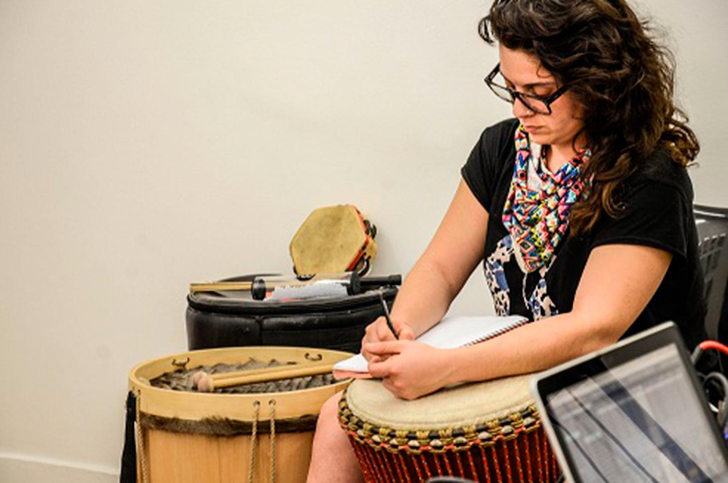 Charla: Estímulos Idartes para el sector del emprendimiento musical