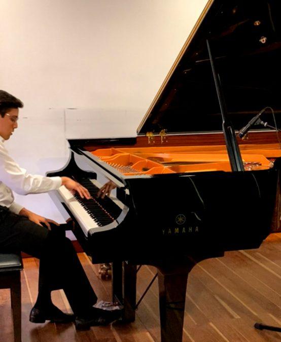 Concierto del mediodía: Daniel Duplat, Andrés Hurtado y Nicolás Rengel, estudiantes de piano principal